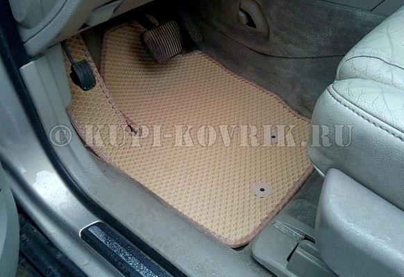 Водительский коврик полностью доработанный, максимально соответствующий полу машины. Такими должны быть действительно качественные ковры Volvo.