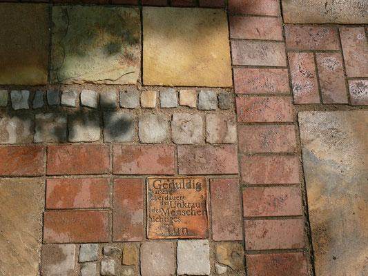 Klinkerpflaster und Naturstein