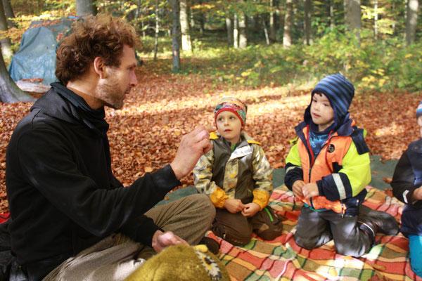 Geschichten für die Kleinsten im Waldkindergarten