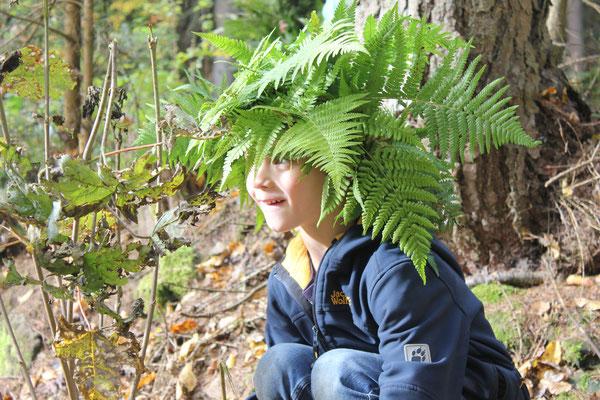 wachsam im Wald
