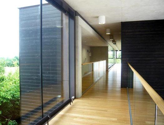 Erschließungsgang - Foto © Knauer Architekten
