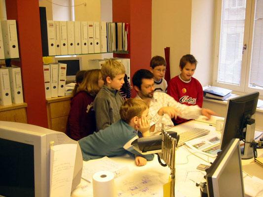 Atelierbesuch einer Volksschulklasse - Foto © Knauer Architekten