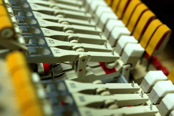 中古ピアノヤマハG3Eの新品ウィペンアセンブリー