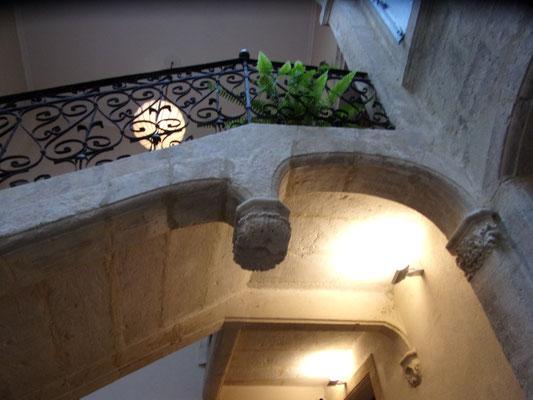 Célèbre clef de voûte de l'hôtel Magnol  à Montpellier