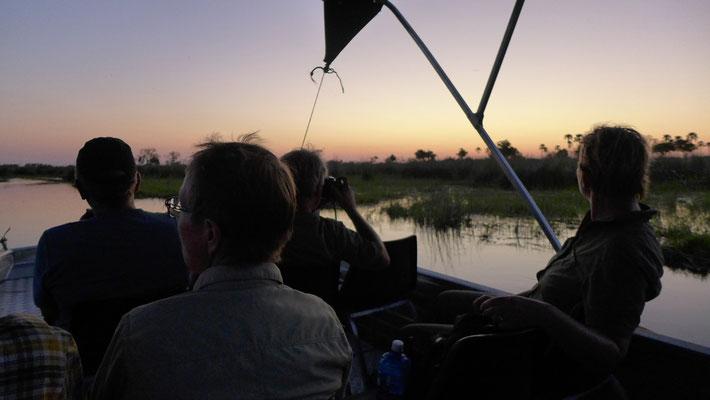 Sundowner auf dem Boot (BOT)