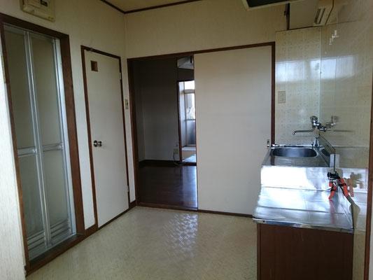 玄関・台所