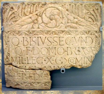 Pierre tombale de Bisius