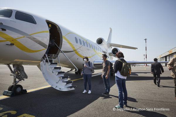 Montée à bord des passagers à Marseille.
