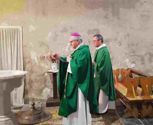 Bénédiction des fonts baptismaux