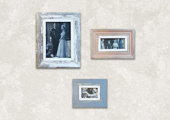 3 Cornici Design in legno con foto a tema The Crown con divano