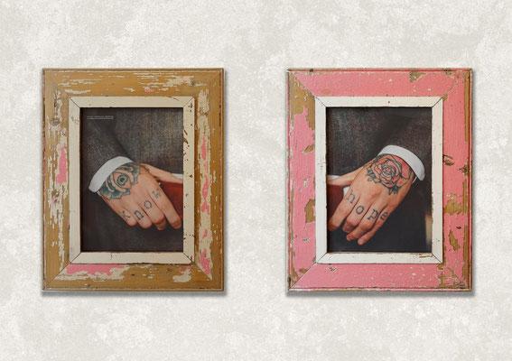 Parete in mattoni rossi, sci d'acqua vintage e coppia di cornici con foto di ragazzo tatuato