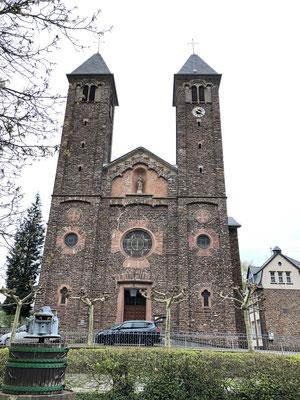 Kirche an der Mosel