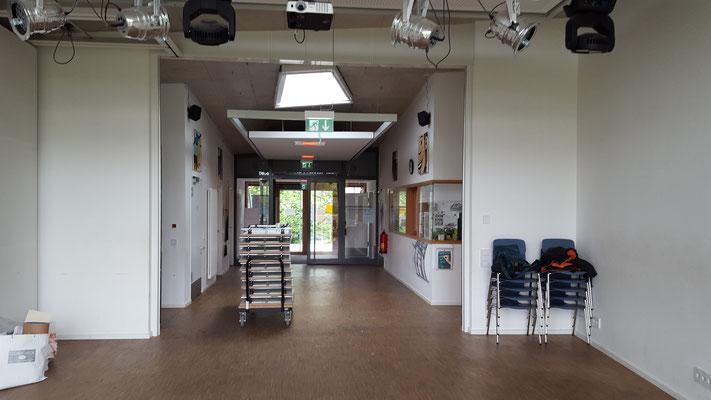 """""""2 Club"""" Jugendzentrum Thalkirchen, München - Mehrzweckraum vorher..."""