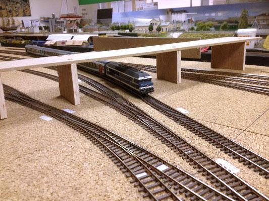 Une ébauche du pont routier à l'ouest de la gare, pour valider la taille , l'emplacement.