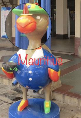 Mit dem Dodo (ausgestorben), dem Wappentier von Mauritius