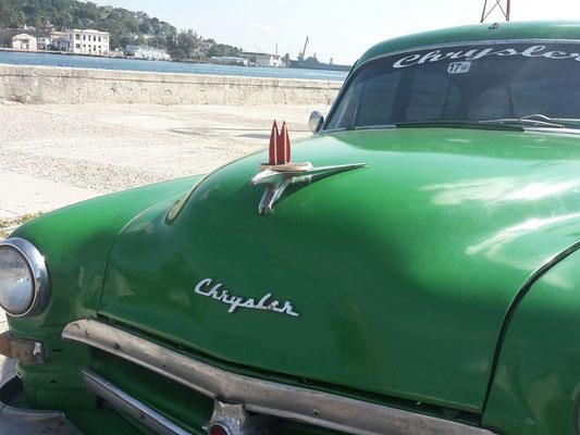 Kuba: Immer noch fahren genügend alte Karren auf der Insel herum, die man als Tourist natürlich für teuer Geld mieten kann. (Inken)