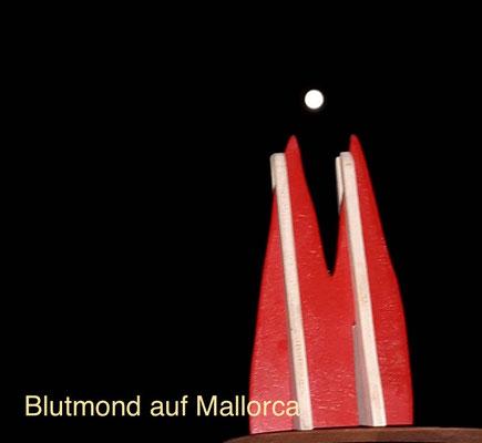 Mallorca, Blutmond Juli 2018 - das Handy hat nur den roten Ton nicht hinbekommen... (Lutz)
