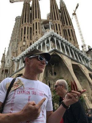 Spanien, Barcelona: Kölner Lokalpatriot und Freund von französischer Musik aus Kölle (YEAH!) vor der Sagrada Familia (Jochen)