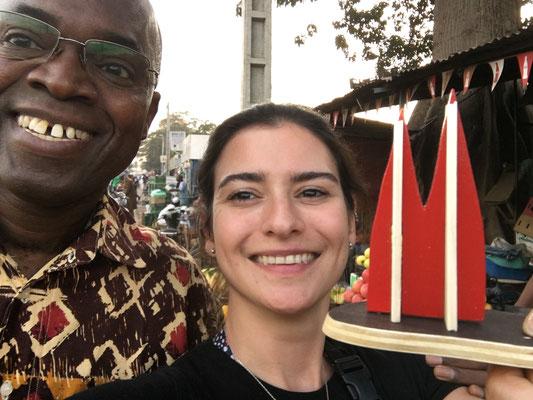 Mali: Bella mit gutem Freund und Kollegen Mahamadou Koné in Bamako (Annabelle)