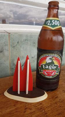 Afrika, Uganda: Igel trinkt Eagle