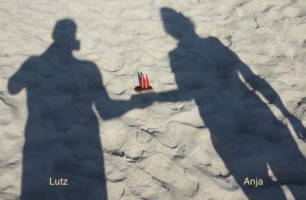 Mallorca. Das Dömchen wird auf Händen getragen (Lutz&Anja)