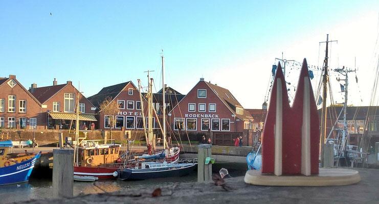 Deutschland, Nordseeküste: Der Fischerhafen von Neuharlingersiel (Friedbert)