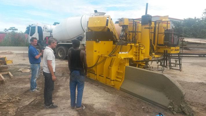 Premier coulage et Essai du moule à coffrage glissant en Guyane - Mission d'assistance technique de ProTEC