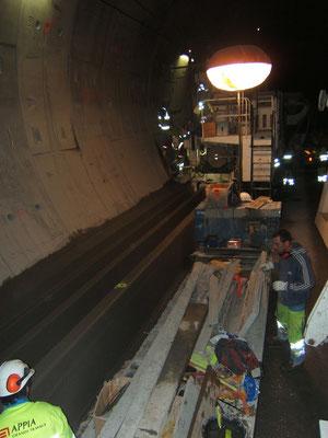 Extrusion d'ouvrages en béton extrudé avec une machine conçue spécialement - Travaux de Béton Extrudé en Tunnel