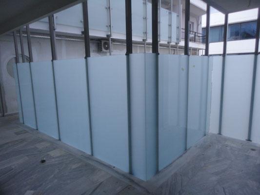 Τζάμια εσωτερικού χώρου, διαχωριστικά με τζάμια, διαχωριστικό για γραφείο με γυαλί