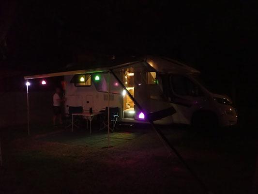 Abends in feinster LED-Beleuchtung - Dank dem Roman! 👍