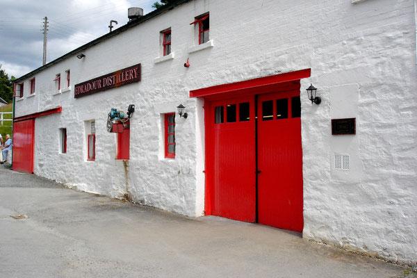 Die Whiskydestille Edradour ist die kleinste in Schottland.