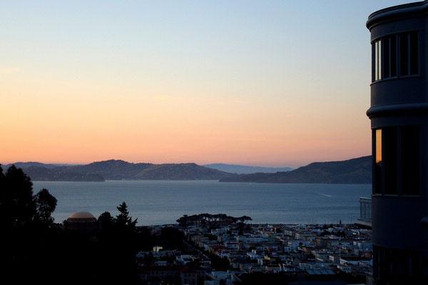 Blaue Stunde an der San Francisco Bay