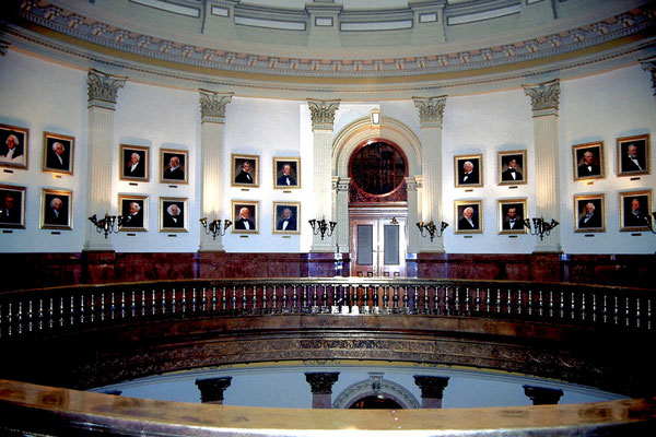 Im Capitol von Denver, Colorado 1987