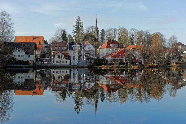 Am Bad Waldseer Stadtsee an einem ruhigen Dezembertag (Lumix GM5)