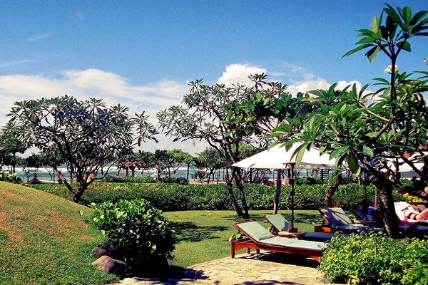 Tropische Vegetation, tolle Strände und viel Kultur gibt es auf Bali