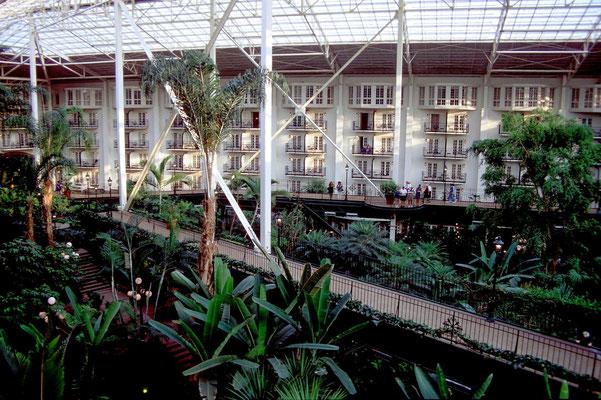 Das Opryland Hotel zeichnet sich durch eine aussergewöhnliche Architektur aus.