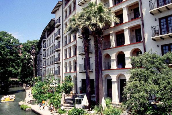 La Mansion del Rio Hotel in San Antonio, Tx. 1987
