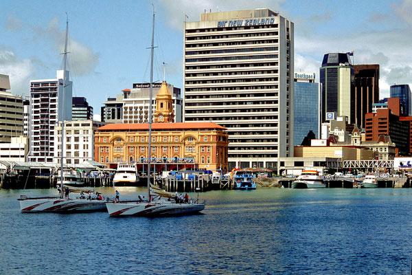 Der Hafen von Auckland, Neuseeland (Dia-Scan)