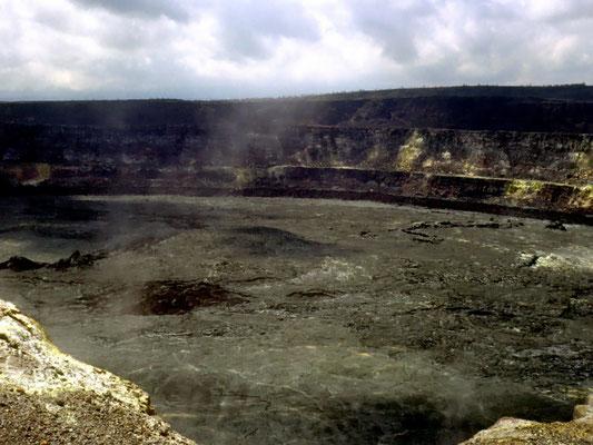 Blick in einen der aktivsten Vulkane: Kilauea Krater auf Hawaii