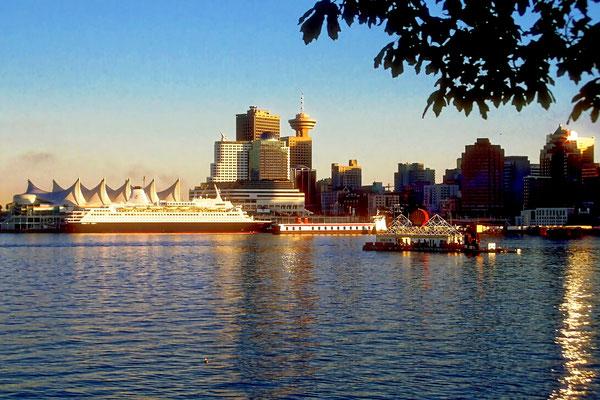 Der Hafen von Vancouver, British Columbia,  Kanada (Dia-Scan)