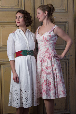 Elke in einem Kleid von Lena Hoschek