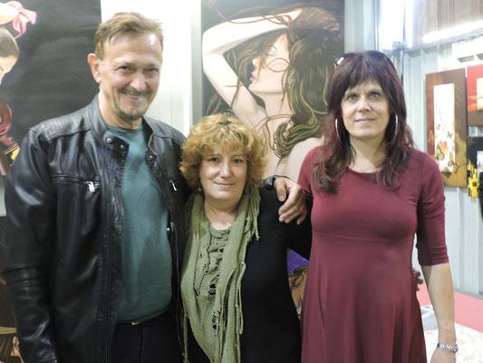 con l'artista Mario Zampedroni e l'artista Maria Jose Lavin Alvarez nel suo stand