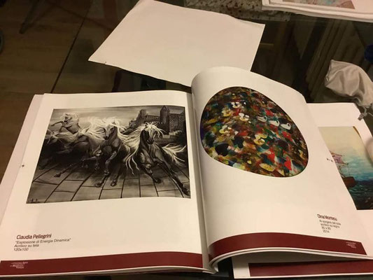 I miei cavalli al galoppo dentro a questo prestigioso catalogo d'arte contemporanea :-)