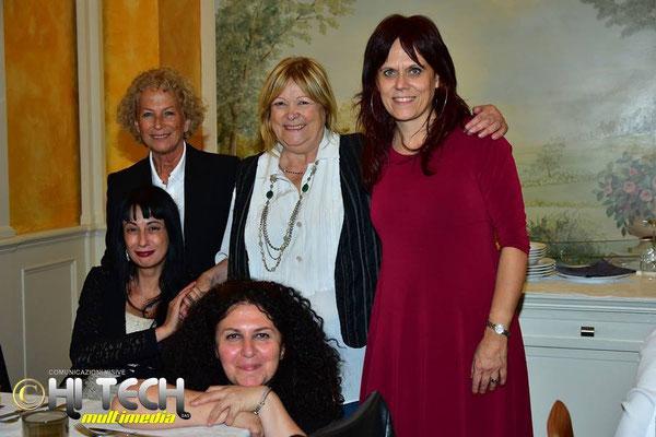 con il critico d'arte Mattea Micello, e le artiste Aurora Manfredi, Caterina Cannati e Marcella Geppetti