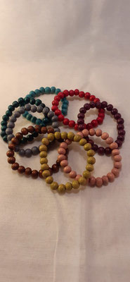 155. Houten Armband, diverse kleuren  €1,50