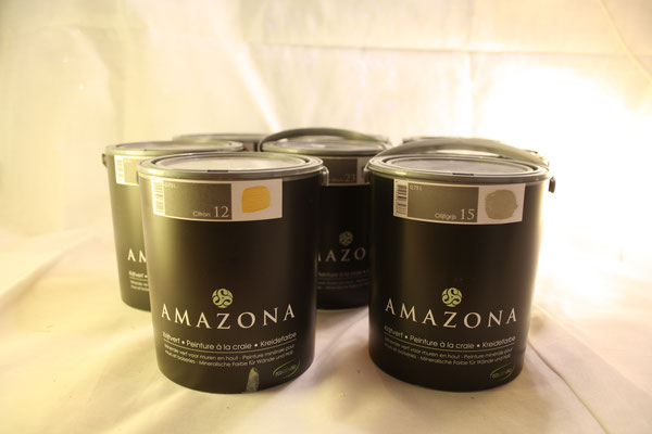 170. Krijtverf Amazona, diverse kleuren 0,75 liter  €29,50  4 liter  €109,-