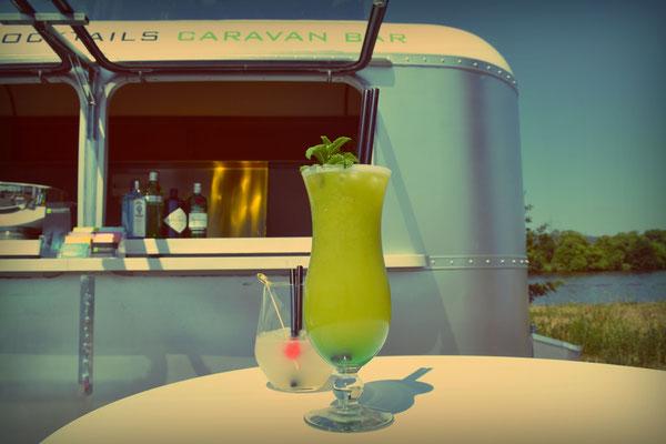 Caravan Bar, Cocktails, Foodtruck