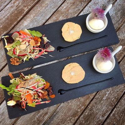 Foie gras de canard, mesclun de salade façon mandiant