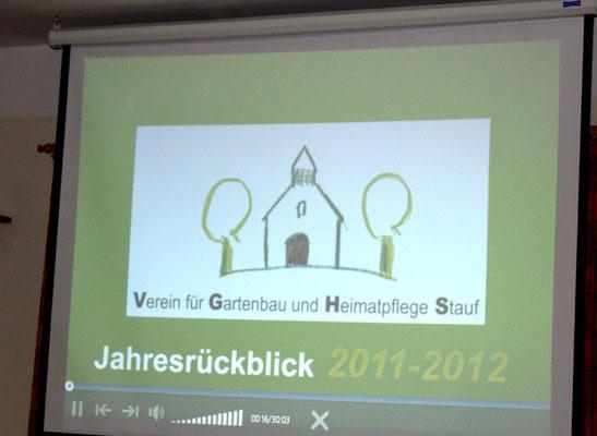 Erhard Seitz hat zum Ausklang der Jahreshauptversammlung einen Jahresrückblick 2011/2012 als Bildervortrag zusammengestellt