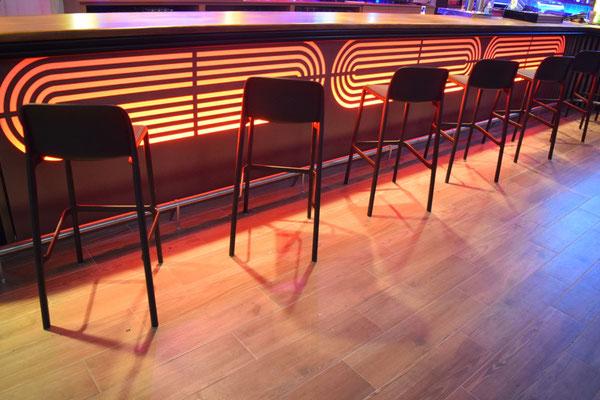 barras de bar BARRA DE MADERA PANEL COMPOSITE METACRILATO